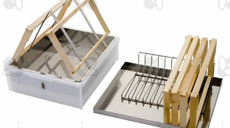 Uncapping tray for 2 persons